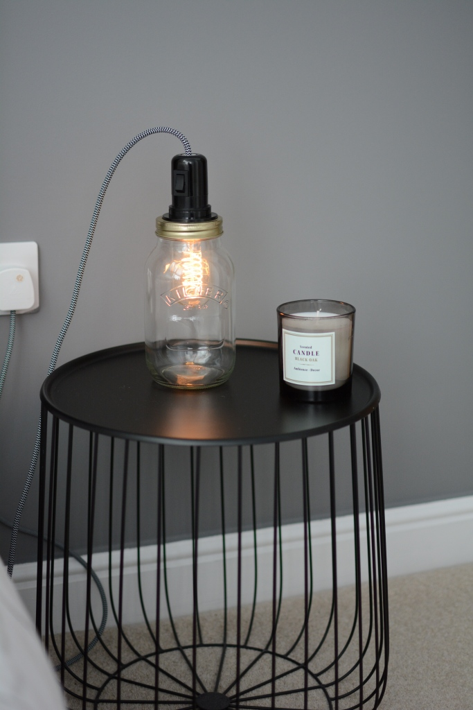 Lampe bocal pr en bulle for Interrupteur lampe de chevet